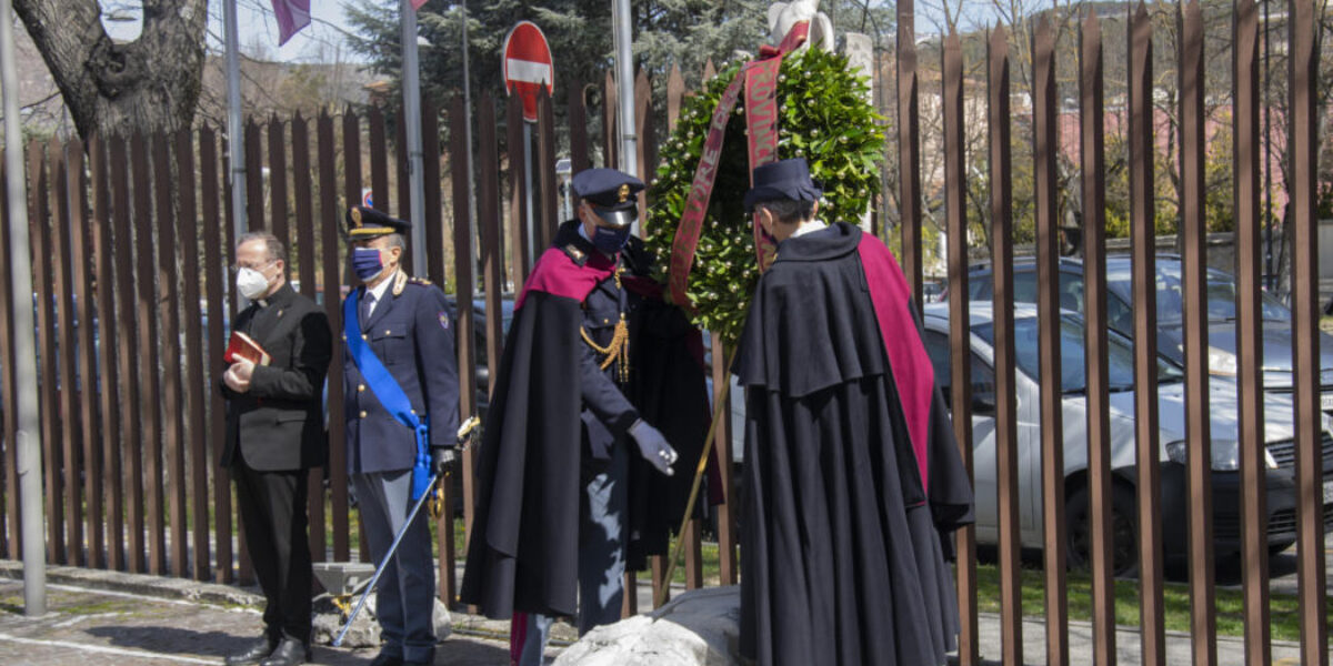 ANNIVERSARIO FONDAZIONE POLIZIA: A L'AQUILA DEPOSIZIONE CORONA DI ALLORO A MONUMENTO CADUTI