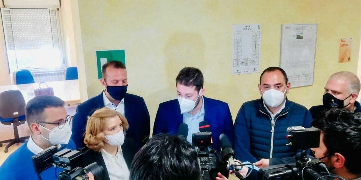"""BORSE DI STUDIO, ONOREVOLE TOCCALINI VISITA ADSU L'AQUILA: """"RIPARTENZA CAPOLUOGO E' PRIORITA'"""""""